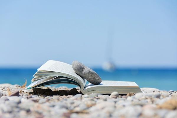 Znalezione obrazy dla zapytania books on the sand