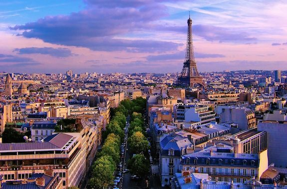 <i>Écoutez Bien, Américains!</i> Don't Expect Paris to Make You More Sophisticated