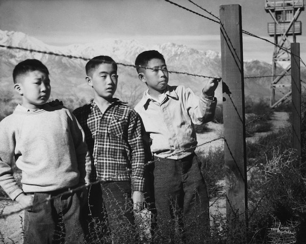 http://zocalo-on.kcrw.com/wp-content/uploads/2015/12/12_Boys-Behind-Barbed-Wire_Toyo-Miyatake.jpg