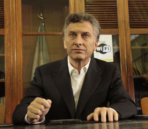 Argentina Inches Closer to Wall Street