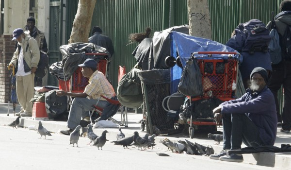 Z calo on kcrw blog archive homeless services don t for Homeless shelters los angeles