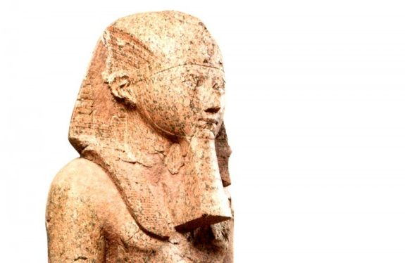 Before Hillary Clinton Wore Pantsuits, Hatshepsut Ran Egypt With a Beard and Iron Fist