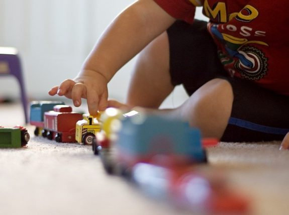 From Lincoln Logs to Action Figures, Are Classic Christmas Toys Dead?