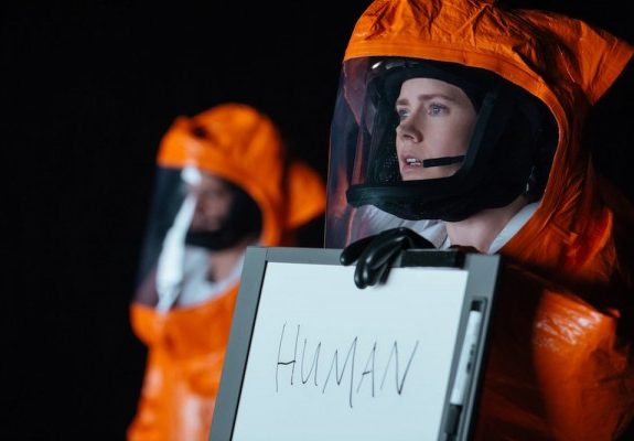 <i>Arrival</i>'s Movie Aliens Reflect Our Distrust and Paranoia, While They Rise Above