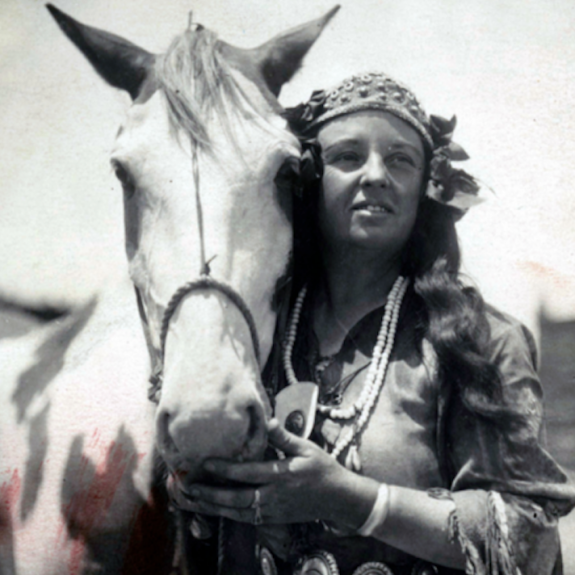 "The Faux ""Sioux"" Sharpshooter Who Rivaled Annie Oakley as a Wild West Sensation"