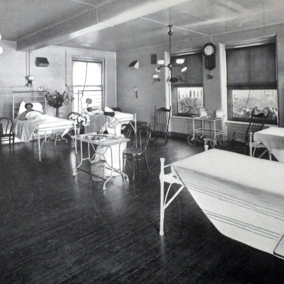 "How Hospital Rooms Went from Airy Temples to ""Inhuman"" Machines"